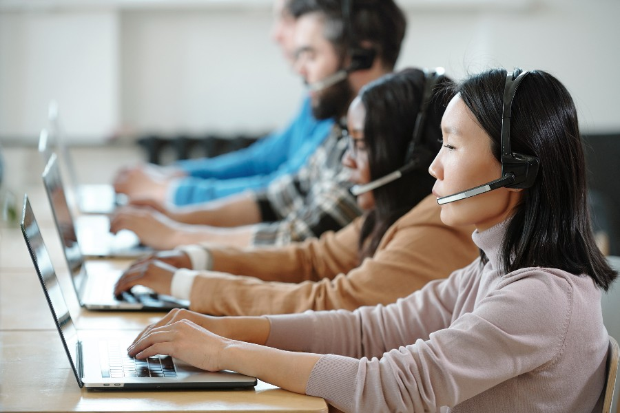 Using outbound dialling to boost your business: three tips