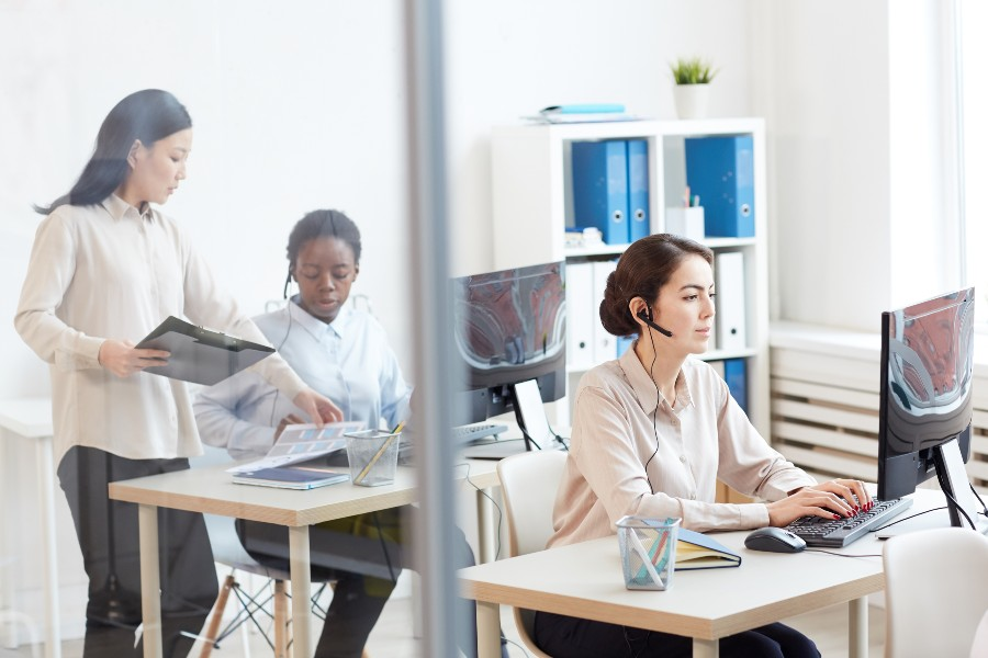Optimising contact centre productivity with a blended environment